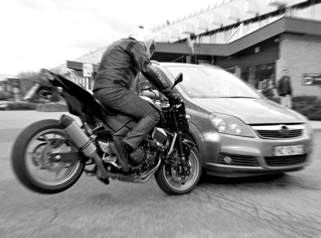 s curit routi re campagne choc contre les accidents en rase moto magazine leader de. Black Bedroom Furniture Sets. Home Design Ideas