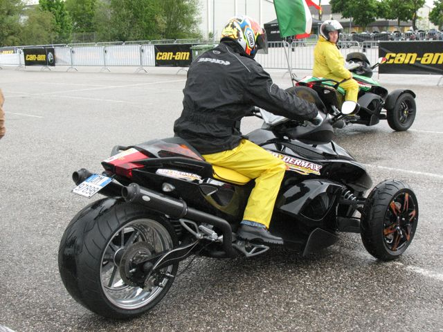 achat moto can am spyder rs occasion. Black Bedroom Furniture Sets. Home Design Ideas