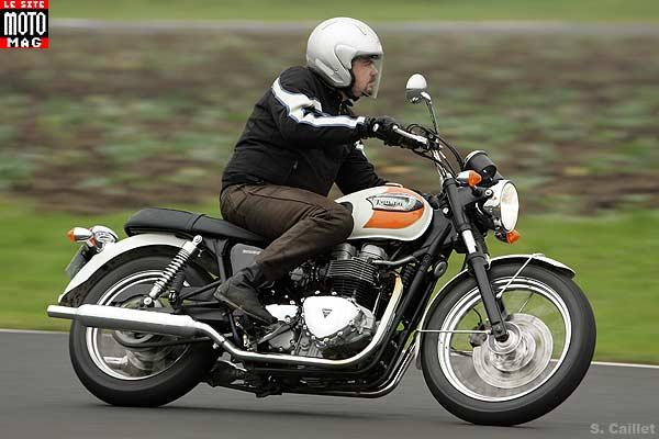 Triumph 900 Bonneville T 100 Moto Magazine Leader De Lactualité