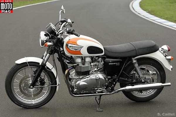 Triumph Bonneville 900cc Idea Di Immagine Del Motociclo
