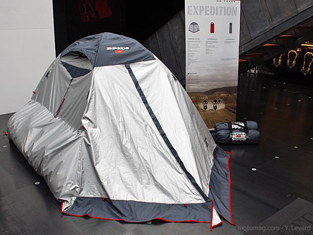 v tements moto 2013 spidi mise sur l 39 aventure moto. Black Bedroom Furniture Sets. Home Design Ideas