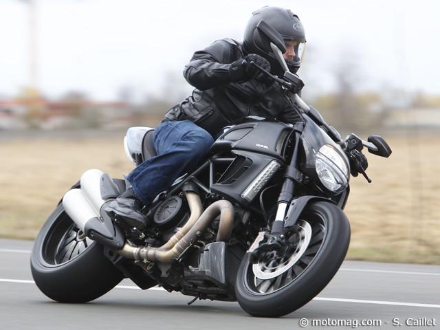 comment mieux n gocier un virage en moto moto magazine leader de l actualit de la moto et. Black Bedroom Furniture Sets. Home Design Ideas