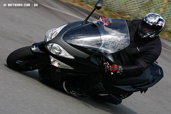 yamaha 500 t max moto magazine leader de l actualit. Black Bedroom Furniture Sets. Home Design Ideas