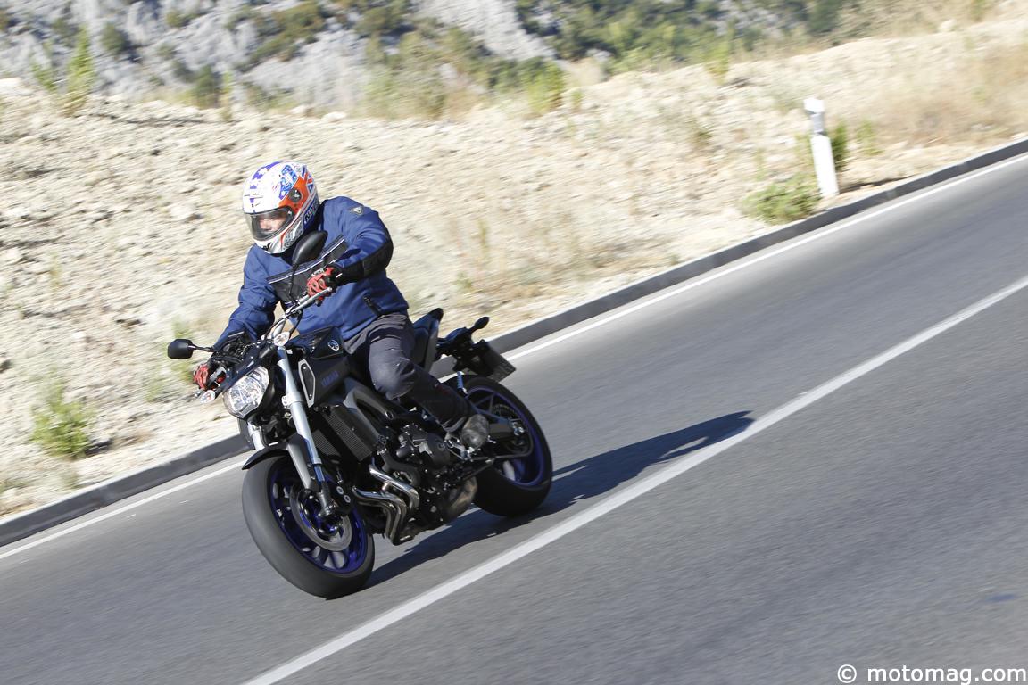 yamaha mt 09 very good triple moto magazine leader de l actualit de la moto et du motard. Black Bedroom Furniture Sets. Home Design Ideas