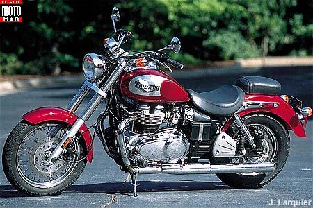 triumph 800 bonneville america moto magazine leader de l actualit de la moto et du motard. Black Bedroom Furniture Sets. Home Design Ideas