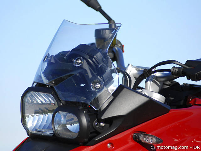 Essai BMW F 700 GS : bulle peu protectrice
