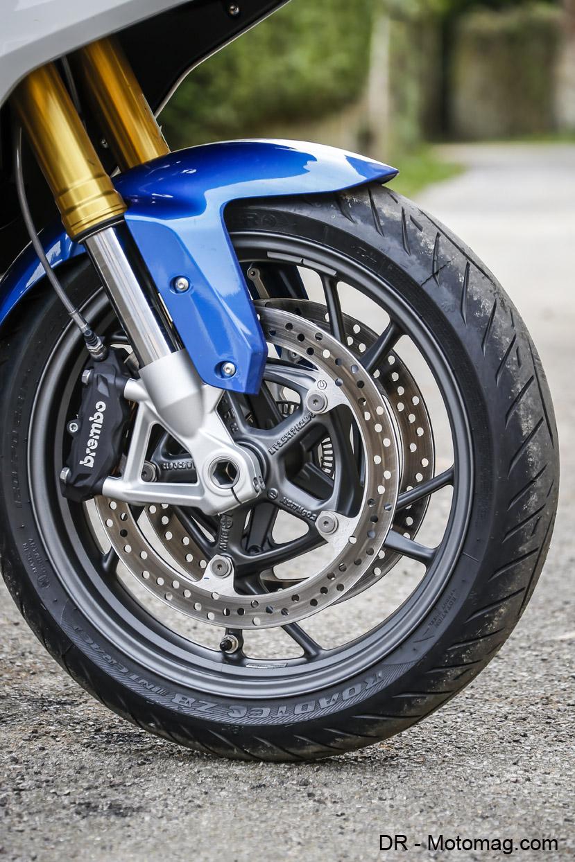 bmw r 1200 rs par e vir es moto magazine leader de l actualit de la moto et du motard. Black Bedroom Furniture Sets. Home Design Ideas
