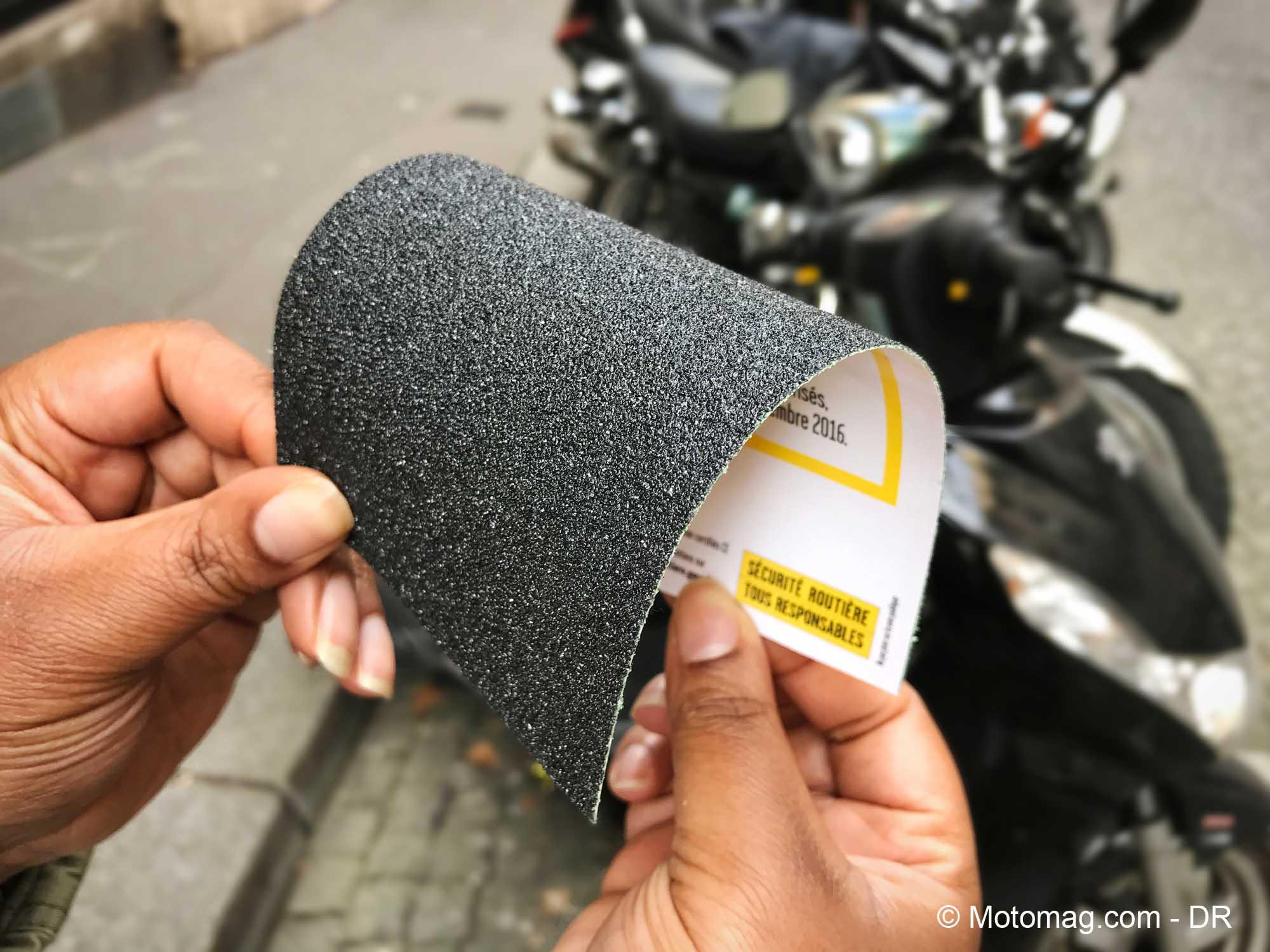 Port des gants à moto : des poignées abrasives pour justifier l'obligation