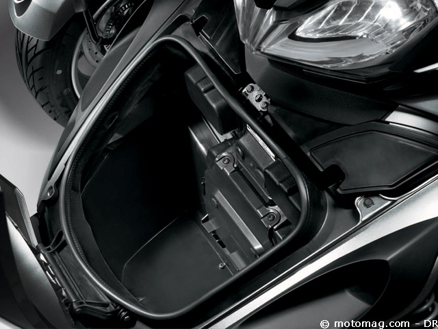 Can Am Car >> Can-Am Spyder 1000 ST - Moto Magazine - leader de l ...