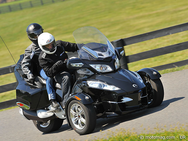 can am spyder 1000 rt s moto magazine leader de l actualit de la moto et du motard. Black Bedroom Furniture Sets. Home Design Ideas