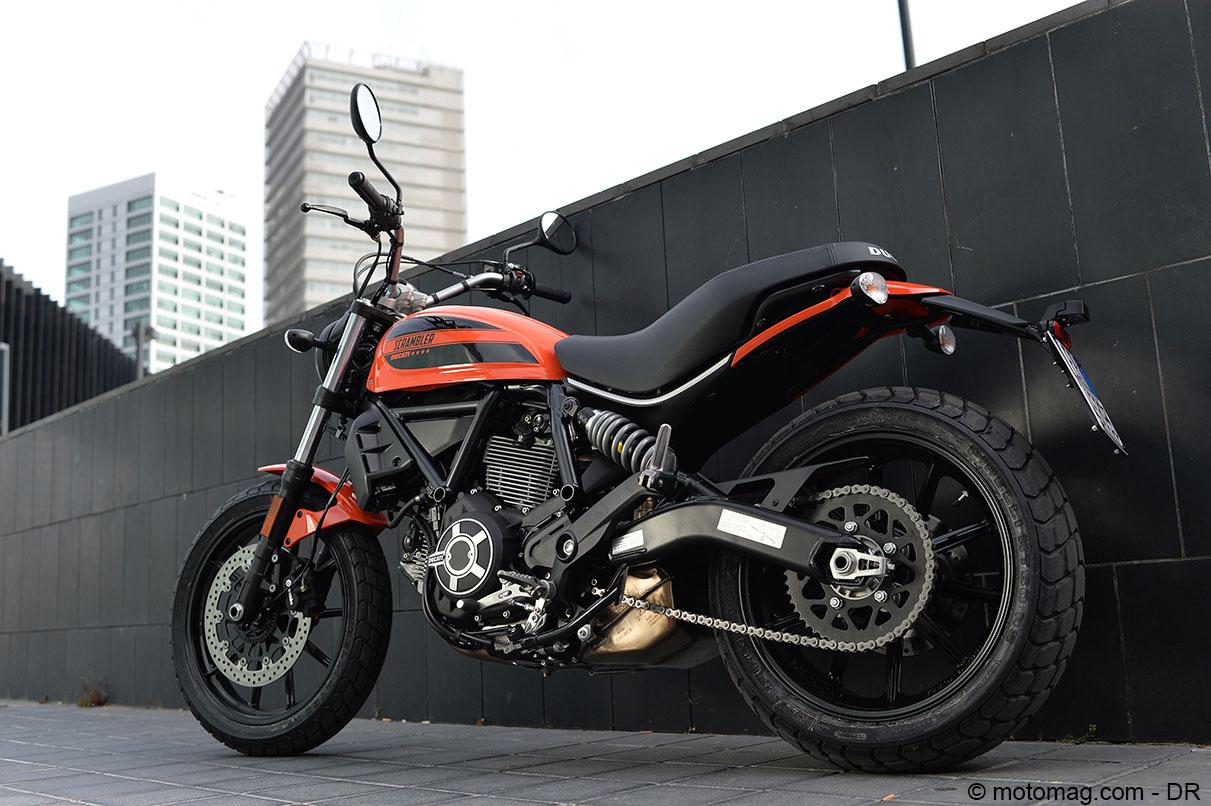 essai ducati scrambler sixty2 les 400 coups moto magazine leader de l actualit de la moto. Black Bedroom Furniture Sets. Home Design Ideas