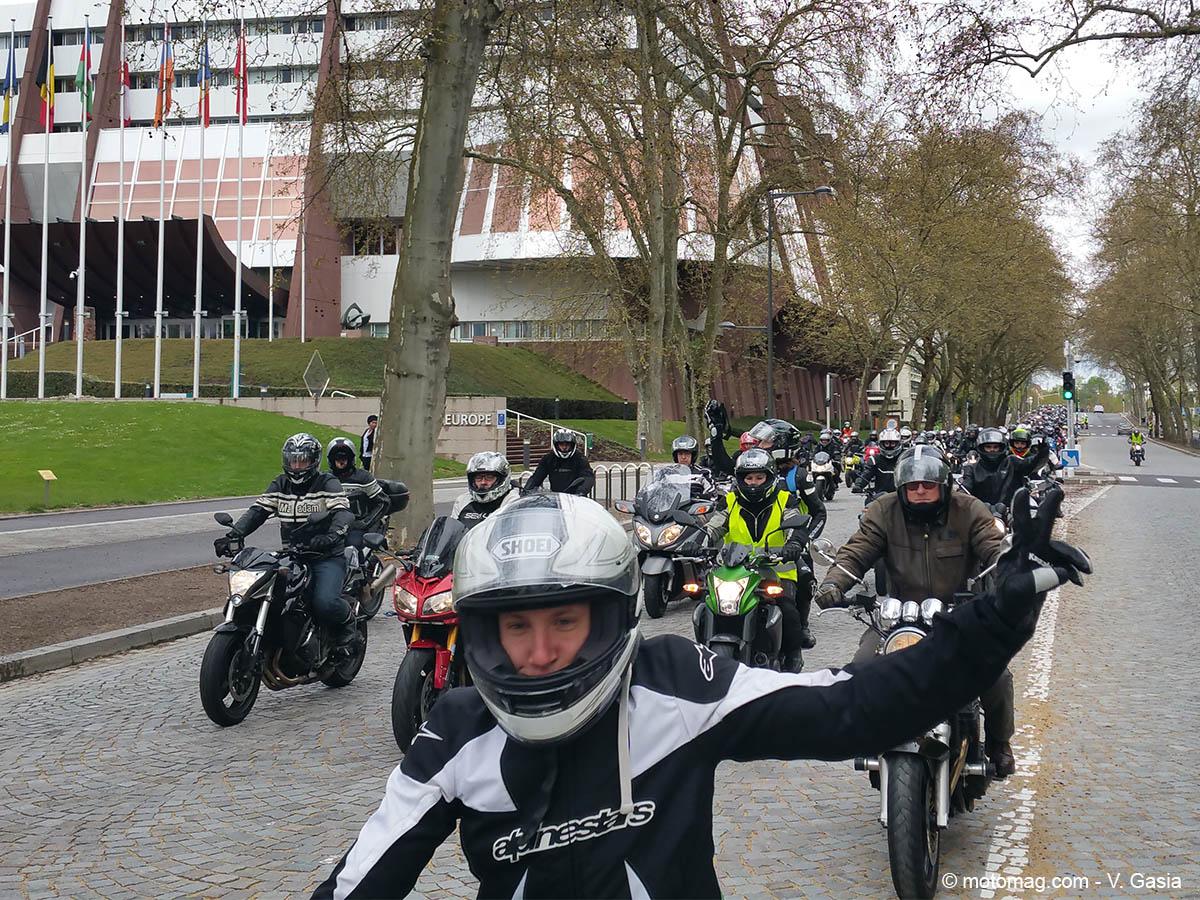 2 500 motards devant les institutions europ ennes de. Black Bedroom Furniture Sets. Home Design Ideas
