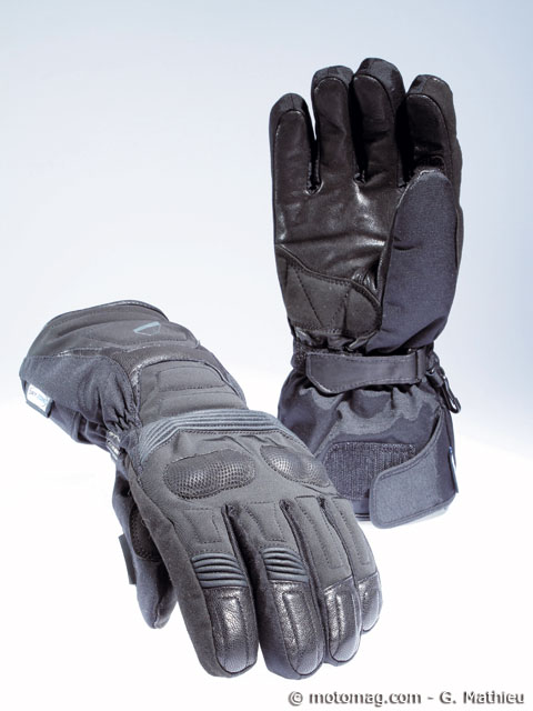 test gants moto d 39 hiver un dossier chaud et froid moto magazine leader de l actualit de. Black Bedroom Furniture Sets. Home Design Ideas