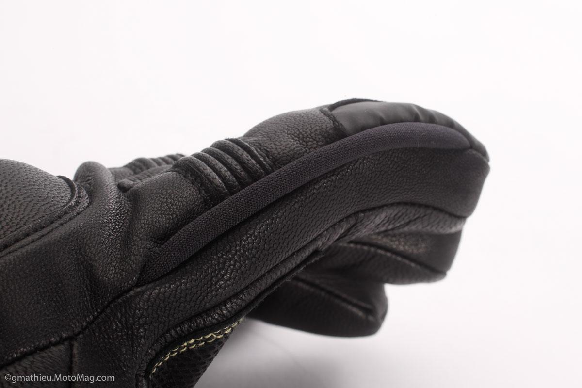 gants chauffants moto v quattro vulcan evo efficaces moto magazine leader de l actualit. Black Bedroom Furniture Sets. Home Design Ideas