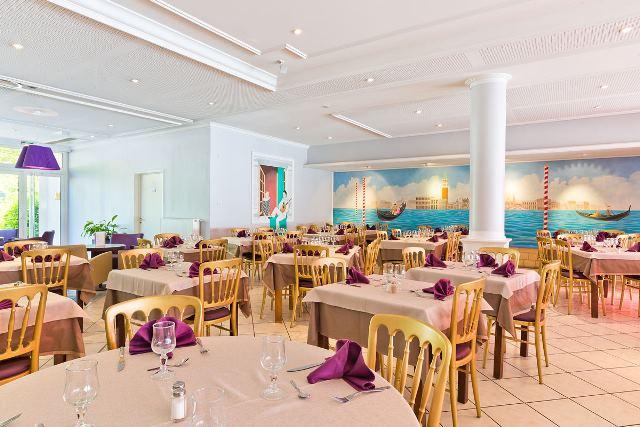 H U00f4tel Novel Restaurant La Mamma