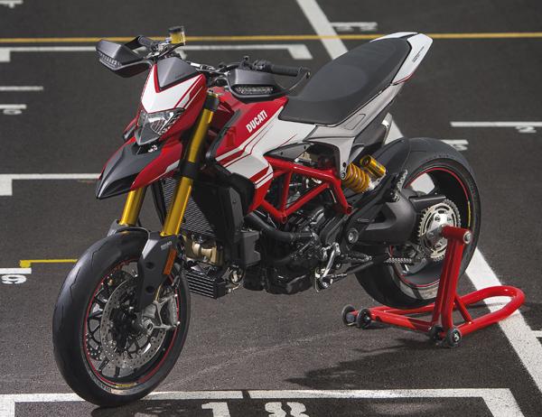 nouveaut moto 2016 ducati hyperstrada 939 moto magazine leader de l actualit de la moto. Black Bedroom Furniture Sets. Home Design Ideas