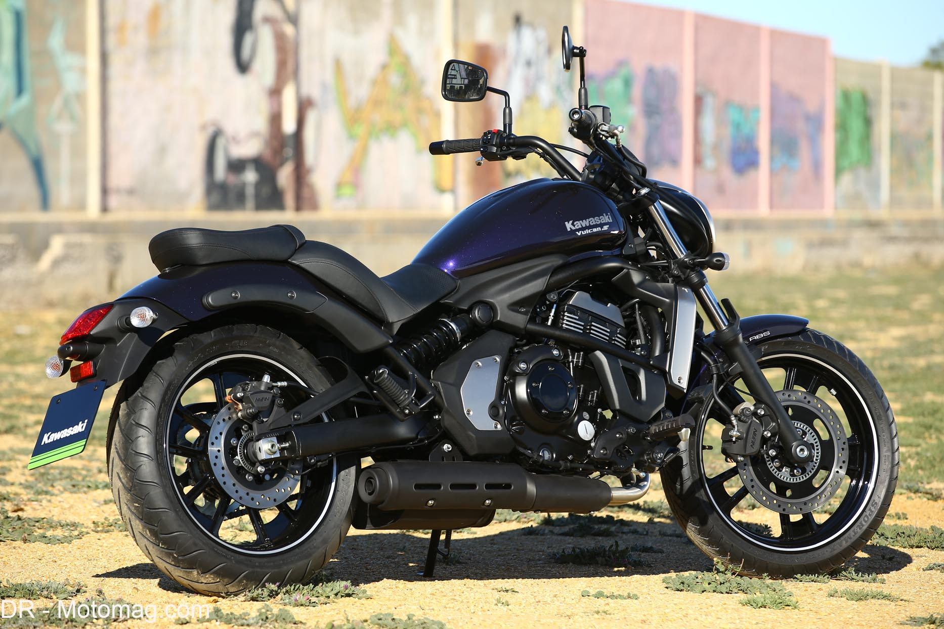 kawasaki 650 vulcan s custom r jouissant moto magazine leader de l actualit de la moto et. Black Bedroom Furniture Sets. Home Design Ideas