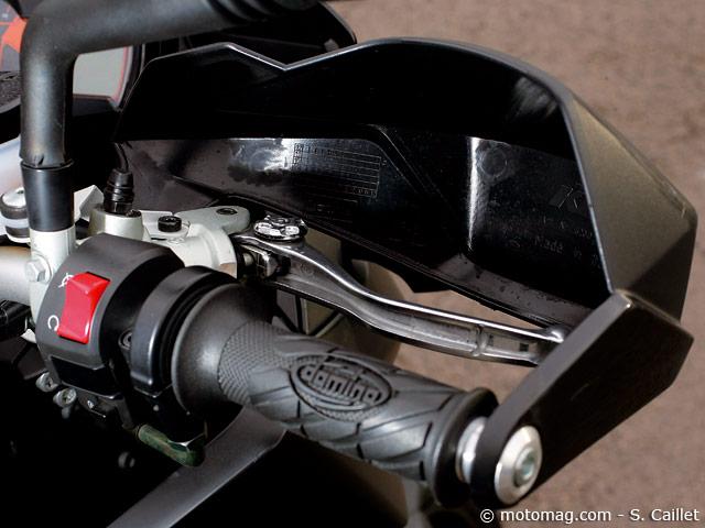 ktm 990 smt moto magazine leader de l actualit de la moto et du motard. Black Bedroom Furniture Sets. Home Design Ideas