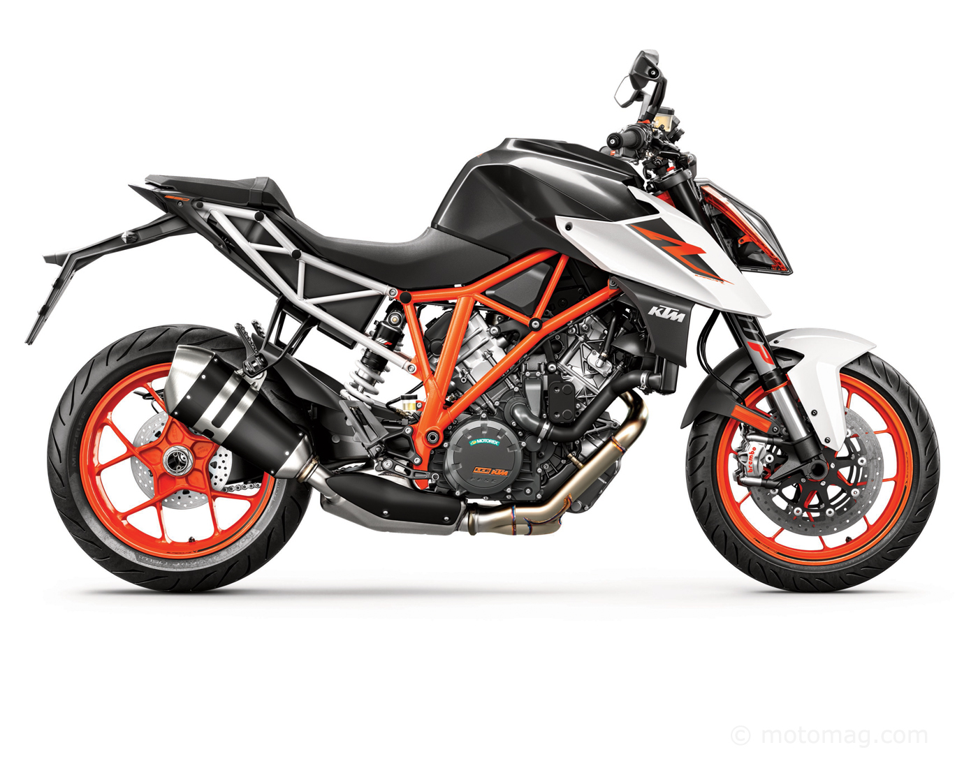 ktm 1290 super duke r 2017 mont e en gamme moto magazine leader de l actualit de la moto. Black Bedroom Furniture Sets. Home Design Ideas