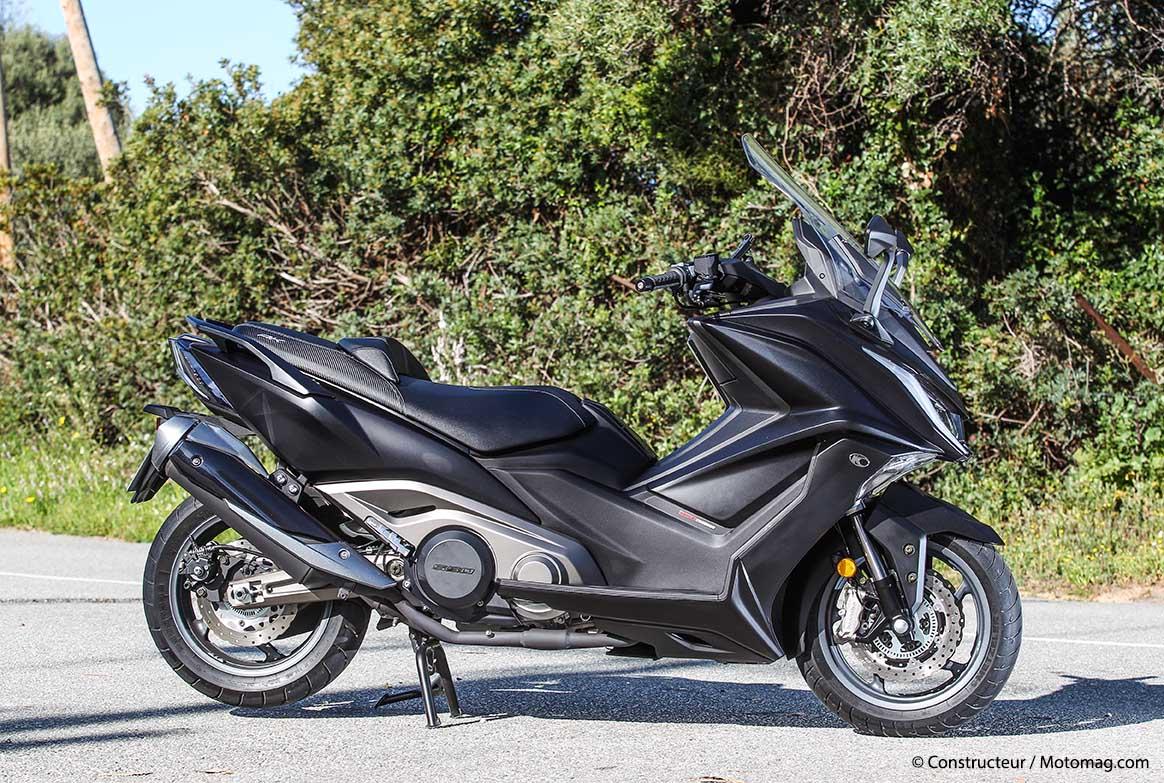 essai kymco ak 550 attaque sur les gros scooters moto. Black Bedroom Furniture Sets. Home Design Ideas