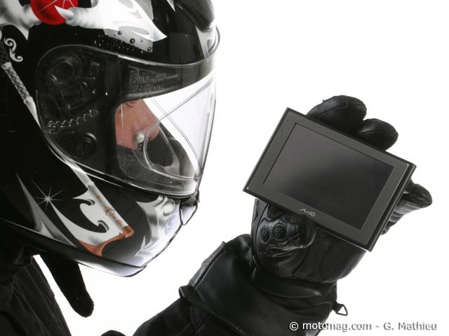 gps moto suivez le guide moto magazine leader de l actualit de la moto et du motard. Black Bedroom Furniture Sets. Home Design Ideas