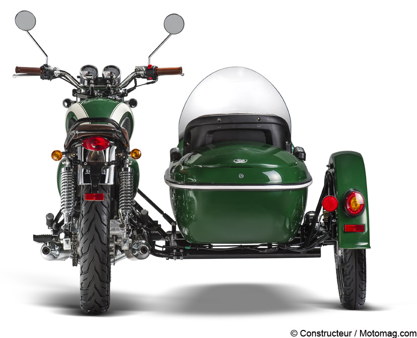 mash 400 family side le side car moins de 9 000 moto magazine leader de l. Black Bedroom Furniture Sets. Home Design Ideas