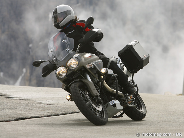 moto guzzi 1200 stelvio ntx moto magazine leader de l actualit de la moto et du motard. Black Bedroom Furniture Sets. Home Design Ideas