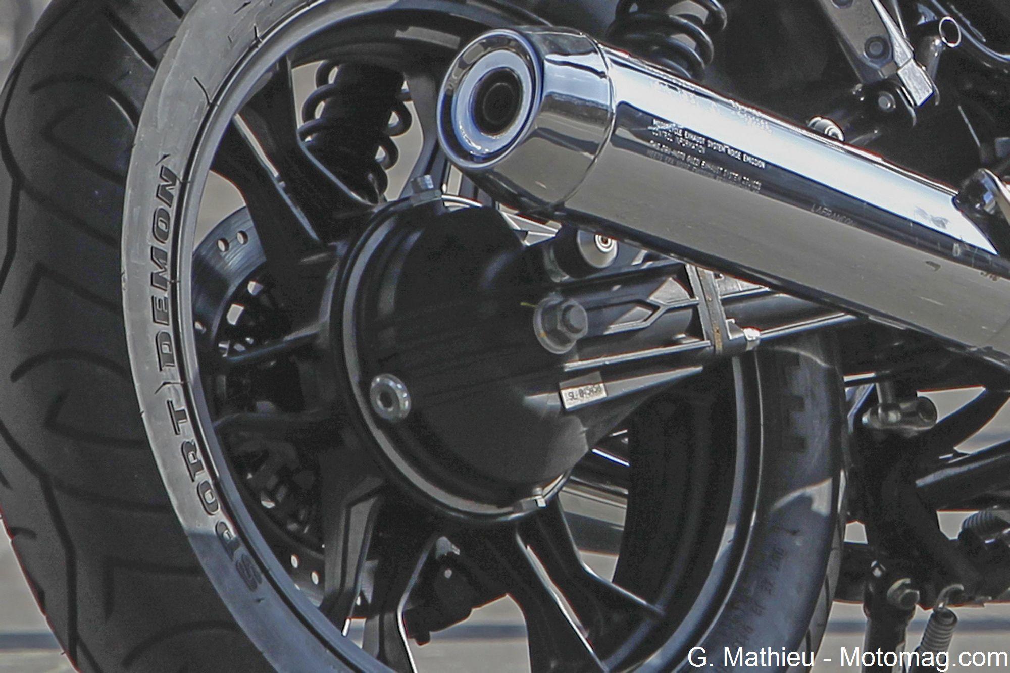 moto guzzi v7 ii stone plaisir de rouler moto magazine leader de l actualit de la moto et. Black Bedroom Furniture Sets. Home Design Ideas