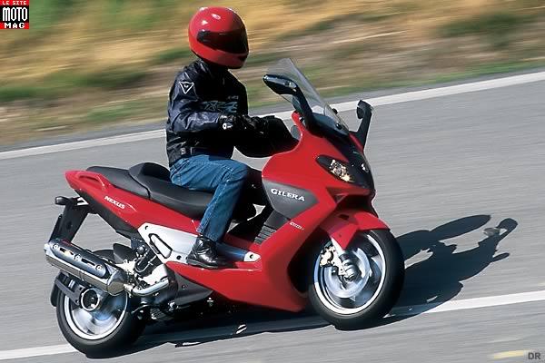 gilera 500 nexus moto magazine leader de l actualit de la moto et du motard. Black Bedroom Furniture Sets. Home Design Ideas