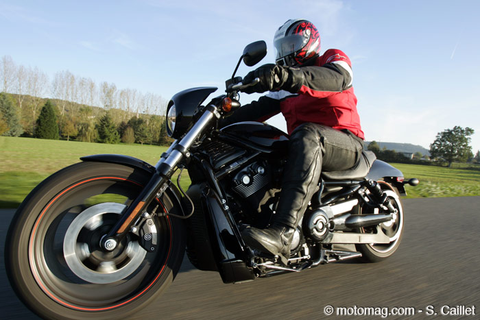Essai 1131. Harley Night Rod Special : route