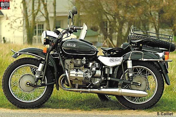 oural 750 tourist deluxe moto magazine leader de l actualit de la moto et du motard. Black Bedroom Furniture Sets. Home Design Ideas