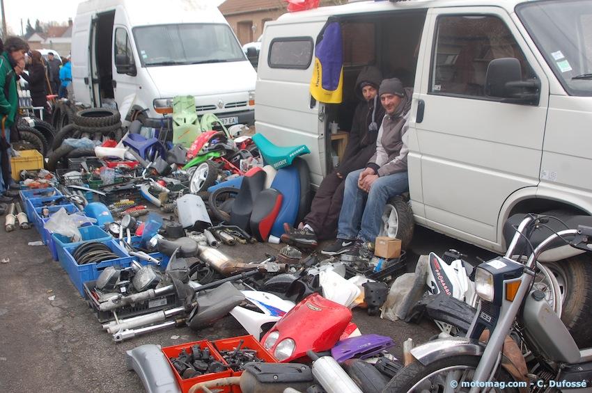 Pecquencourt nous a fait voir 36 chandelles moto for Salon de pecquencourt