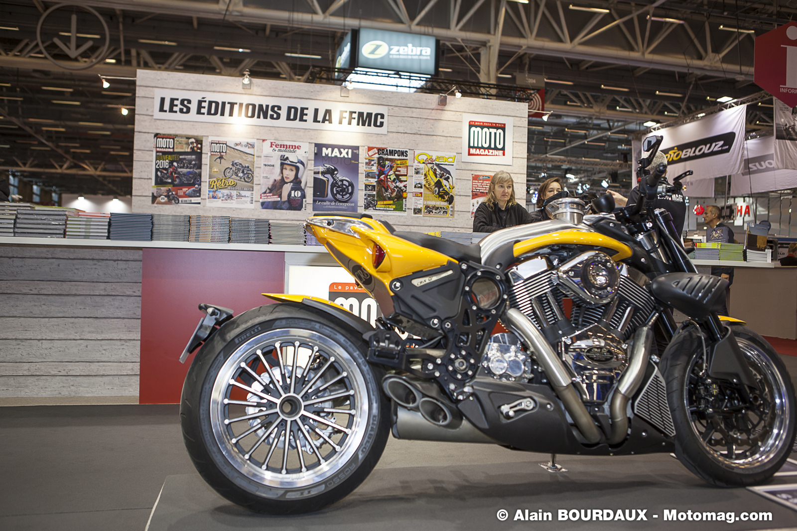 salon de la moto de paris venez nous rendre visite moto magazine leader de l. Black Bedroom Furniture Sets. Home Design Ideas