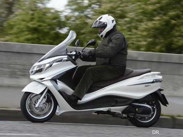 piaggio 350 x10 executive grand standing moto magazine leader de l actualit de la moto et. Black Bedroom Furniture Sets. Home Design Ideas