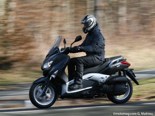 yamaha x max mbk skycruiser 125 moto magazine leader de l actualit de la moto et du motard. Black Bedroom Furniture Sets. Home Design Ideas