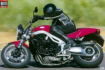 triumph speed triple 955i moto magazine leader de l. Black Bedroom Furniture Sets. Home Design Ideas