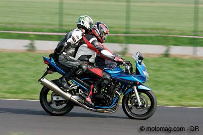 Conduite duo moto