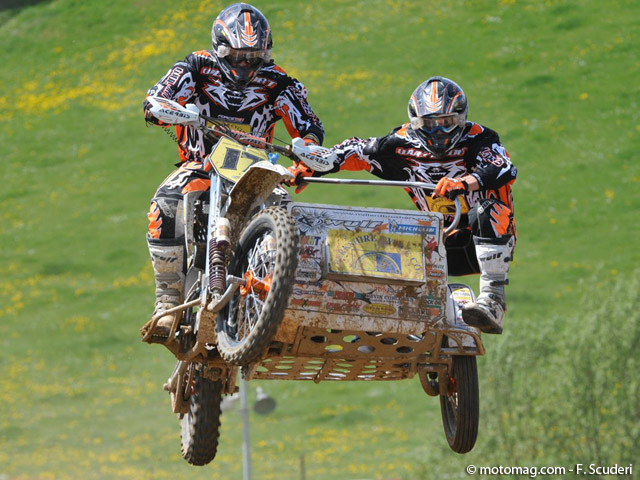 GP side-car cross : show devant !
