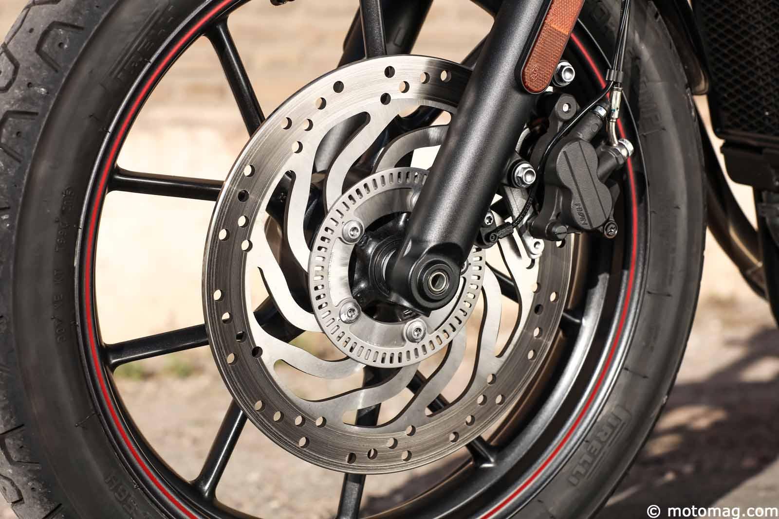 triumph street twin la bonneville 2 0 moto magazine leader de l actualit de la moto et du. Black Bedroom Furniture Sets. Home Design Ideas