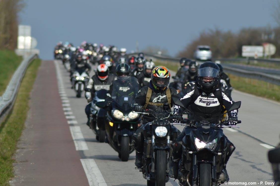 manifestation 1 000 motards disent non au contr le. Black Bedroom Furniture Sets. Home Design Ideas