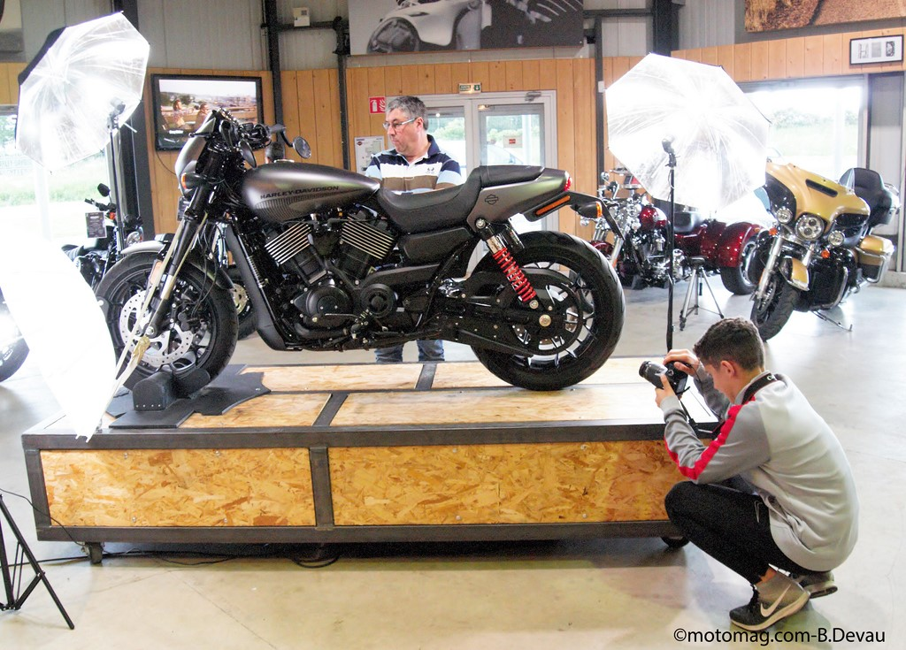 concours photo harley sur la 750 street rod limoges moto magazine leader de l. Black Bedroom Furniture Sets. Home Design Ideas