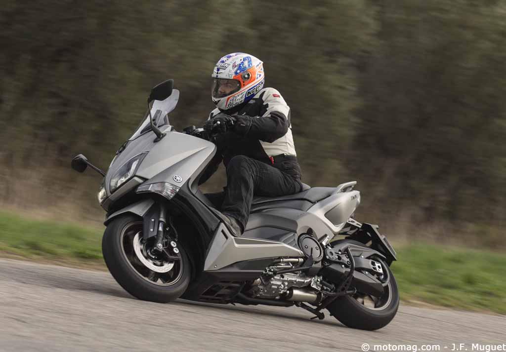 essai yamaha tmax 530 toujours en course moto magazine leader de l actualit de la moto et. Black Bedroom Furniture Sets. Home Design Ideas