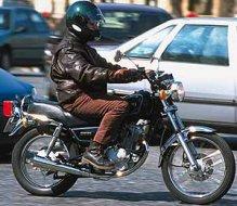 suzuki 125 gn moto magazine leader de l actualit de la moto et du motard. Black Bedroom Furniture Sets. Home Design Ideas