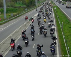 manif ffmc 35 1500 motards r unis contre le contr le technique. Black Bedroom Furniture Sets. Home Design Ideas