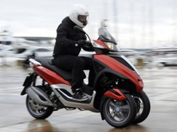 piaggio yourban 125 rl moto magazine leader de l actualit de la moto et du motard. Black Bedroom Furniture Sets. Home Design Ideas