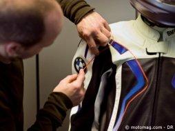 Reportage   les dessous des vêtements moto BMW - Moto Magazine ... ddc1580ff7f7