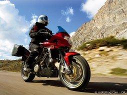 aprilia shiver 750 gt moto magazine leader de l actualit de la moto et du motard. Black Bedroom Furniture Sets. Home Design Ideas