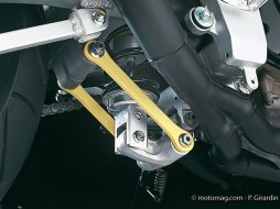 Entretenir les biellettes de suspension moto