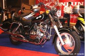 moto chinoise le mondial de jinlun moto magazine leader de l actualit de la moto et du motard. Black Bedroom Furniture Sets. Home Design Ideas