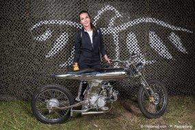 un contrat d 39 assurance pour les motos pr par es moto magazine leader de l actualit de la. Black Bedroom Furniture Sets. Home Design Ideas